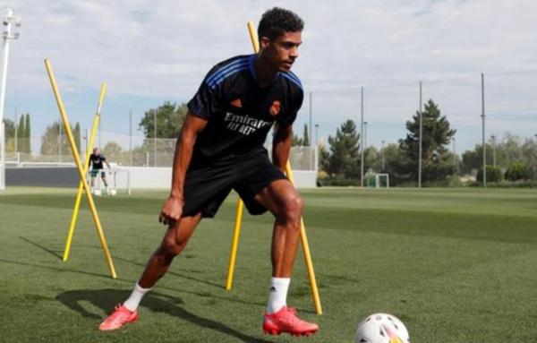 Raphael Varane will miss Manchester United